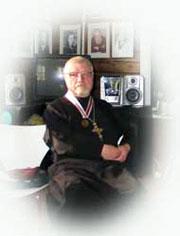Святар Беларускай аўтакефальнай царквы Леанід Акаловіч. Фота Алега Гаеўскага