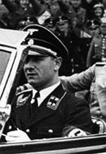 Водитель Гитлера рассказал в мемуарах, как сжигал труп фюрера