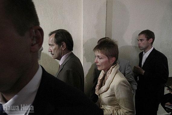 Жонка Мікалая Статкевіча Марына Адамовіч пасля абвяшчэння прысуда.