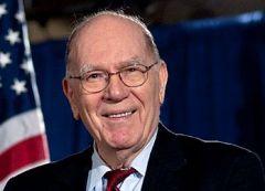 Известный американский экономист, экс-разведчик и общественный деятель, в прошлом кандидат в президенты США Линдон Ларуш