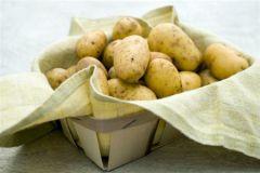 Скромный картофель имеет больше питательных веществ, витаминов и минералов, чем традиционные