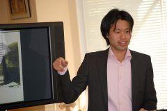Наш герой выступае на ўрачыстым адкрыцці пасля рэканструкцыі 'Марыйнага дома' ў траўні 2012.