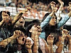 Безумие_фанов_на_концерте_Битлз_в_Нью-Йорке_на_стадионе_Ши_(15-08-1965) (320x240, 59Kb)
