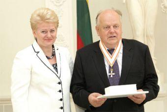 6 июня 2010 года. Президент Литвы Даля Грабаускайте вручила мне орден
