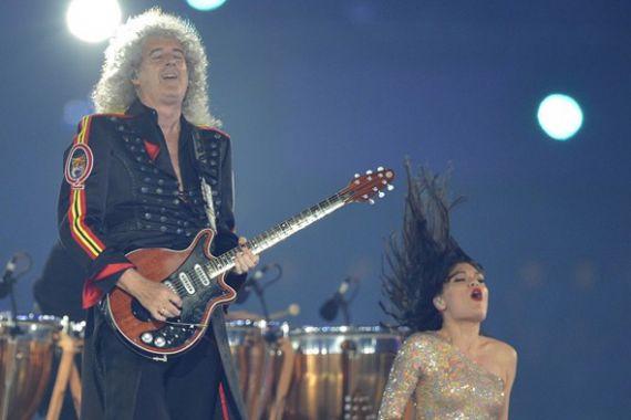 Хэдлайнерамі канцэрта выступілі Queen, The Who, Muse, Kaiser Chiefs, Spice Girls і іншыя брытанскія славутасці. На фота: гітарыст Queen Браян Мэй і спявачка Джэсі Джэй.