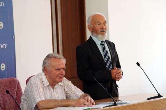 Председатель оргкомитета Василий Яковекно, пионер разработки и применения ЭХА-растворов Зигмусь Францевич Каптур.