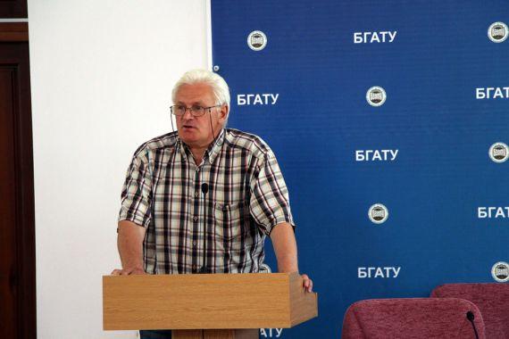 Новицкий Виктор Антонович, член правления Международного Алферовского фонда поддержки образования и науки, сопредседатель оргкомитета конференции, врач.