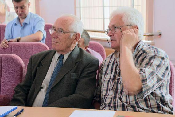 В зале заседания: П.А.Витязь, В.А.Новицкий.