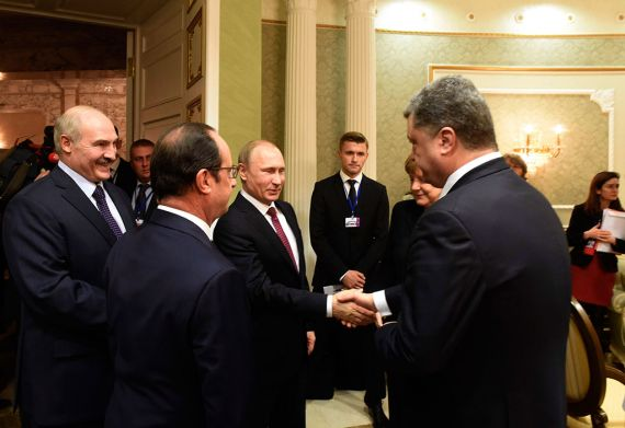 Переговоры президентов РФ, Украины, Франции, Владимира Путина, Петра Порошенко и Франсуа Олланда, а также канцлера ФРГ Ангелы Меркель завершились.