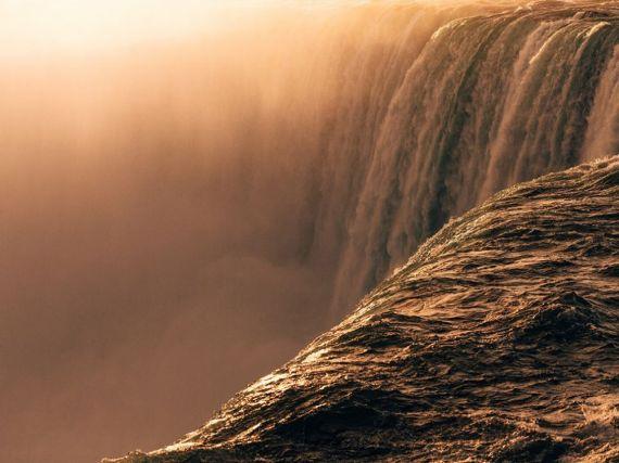 Почувствовать силу, Ниагарский водопад, США